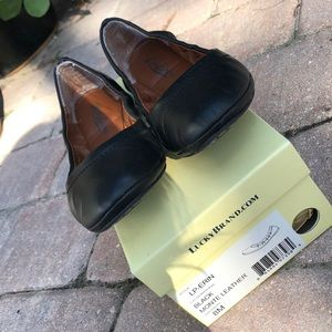 Lucky brand black leather ballet flats shoes 8